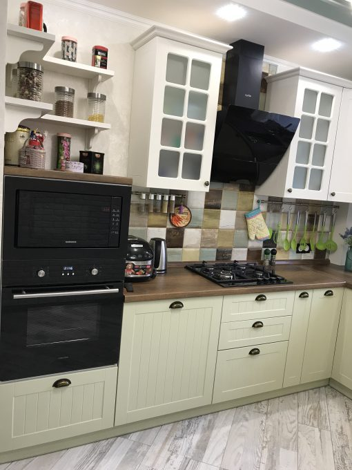 кухня модерн зеленая
