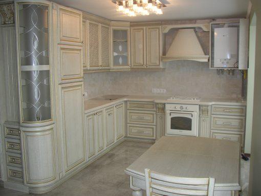 кухня белый класицизм