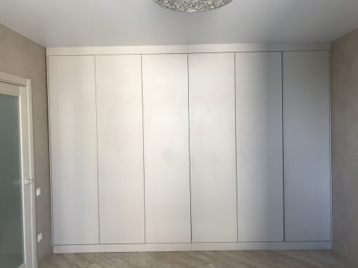 Шкаф 69   от 4500 грн пог.м
